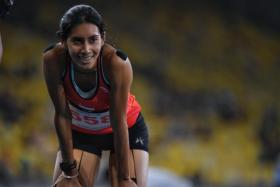 Dipna ends 43-year 400m record, wins silver