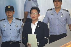 Samsung heir jailed 5 years for corruption