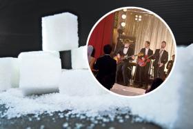 Maroon 5 sugar inset sugar