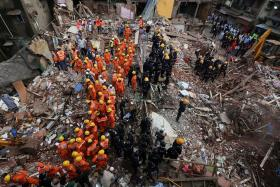 Mumbai building collapse death toll reaches 33