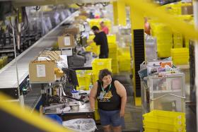 US job growth slows, wages rise 0.1%