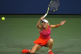 Wozniacki slams Sharapova 'favouritism'