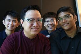 They win award for device that helps deaf people navigate