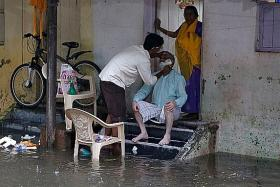 Planes, trains and schools affected by heavy rains in Mumbai