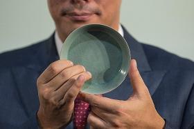 $51.3m porcelain bowl breaks record