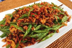 Hed Chef: French beans with sakura ebi
