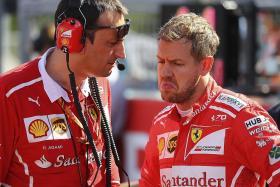 Rosberg, Hamilton feel for troubled Vettel