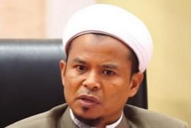 Preacher Zamihan Mat Zin.