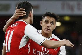 Arsenal could sell Sanchez and Oezil