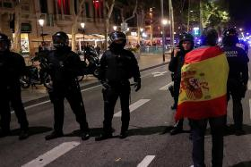 Catalan police face their own question of independence