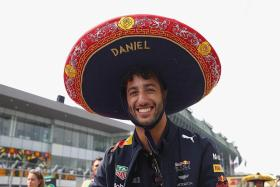 Red Bull to recall Sainz if Ricciardo goes