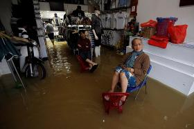Vietnam typhoon death toll rises to 27