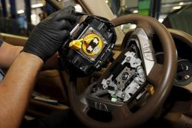 Car owners asked to remove flawed airbags