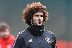Mourinho fears losing Fellaini