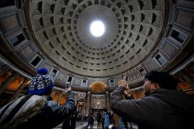 Rome's Pantheon to start charging entry fee in 2018
