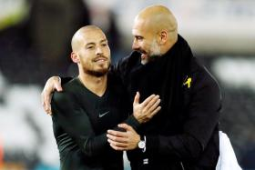 Buxton: Silva glitters in Man City's EPL title charge