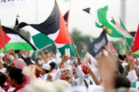 Thousands rally in Jakarta in support of Palestine