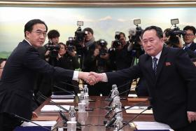 North, South Korea agree to resolve issues through dialogue