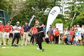 Discover Golf Carnival draws crowd of 2,000