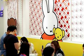 Fans said goodbye to Miffy the rabbit at Japanese-French cafe Kumoya yesterday.