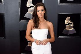 Grammys red carpet plays it too safe