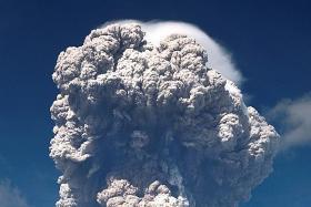 Indonesia's Mt Sinabung spews massive smoke and ash