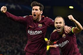 Ferdinand: Messi plays in slow motion