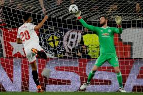 Cautious tactics, caustic response from Mourinho