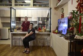 Majority of older buyers of two-room flats go for shorter leases