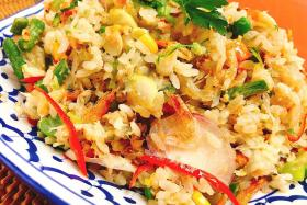 Use CNY leftovers for crab meat fried rice