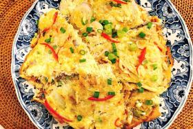Recipe for crab meat bean vermicelli omelette