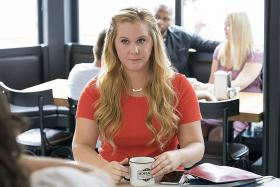 Newlywed Amy Schumer feels prettiest when not thinking about her looks