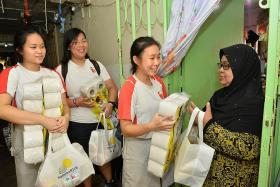 NJC students give out welfare packs to 5,000 households