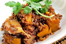 Organic brown rice with pumpkin