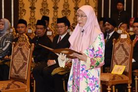 Dr Mahathir's new Cabinet under opposition alliance sworn in