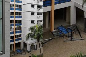 Facade cladding falls off  Pasir Ris HDB block