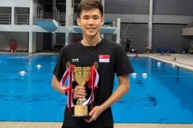 Glen Lim won the Most Valuable Award for male swimmers.