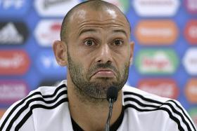 Mascherano denies rift with Sampaoli