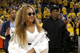 Beyonce leads South Africa anti-poverty festival for Mandela centenary