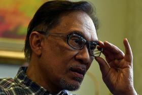 Anwar to run for PKR president