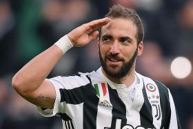 Chelsea chase Juventus pair Higuain, Rugani