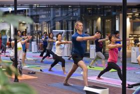 Philips World Yoga Day saw yoga enthusiasts executing vinyasa flows in a controlled and clean indoor air environment.