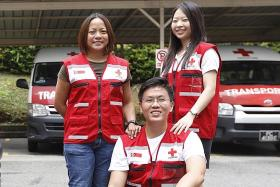 Red Cross volunteers take aid to Laotian flood victims