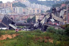 Dozens die after Italian bridge collapses