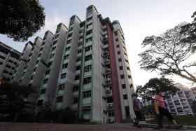 Residents in ageing estate split over whether to vote yes to Vers
