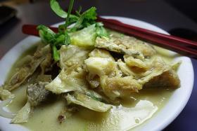 Makansutra: Uglylicious, old-fashioned fish head bee hoon