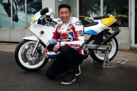 Breathing new life into '90s sportsbike icon Suzuki RGV250