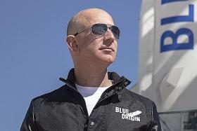 Amazon briefly crosses US$1 trillion threshold