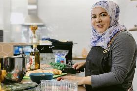 Hijab-wearing MasterChef alumna hosts new Chef In Hijab food show