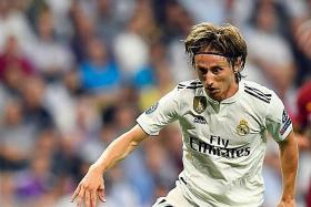 Modric deserves Ballon d'Or, says Isco and di Francesco